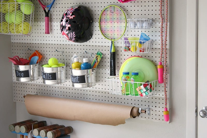 Organize Your Clothes 10 Creative And Effective Ways To Store And Hang Your Clothes: 10 Ways To Store Toys In Small Living Spaces