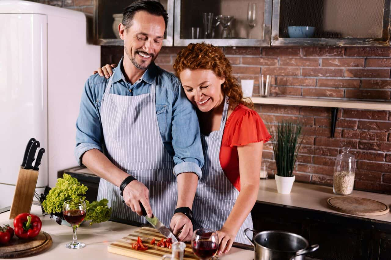 Stay at home date ideas for valentine 39 s day the for Valentine s day meals to cook together