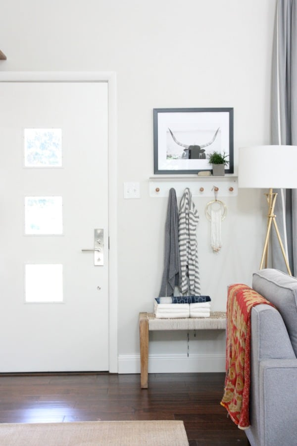Foyer Minimalist Jewellery : Get inspired by these minimalist entryways the