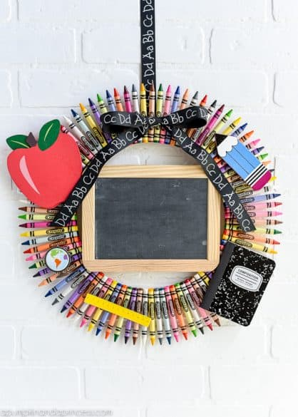 crayon wreath teacher's gift