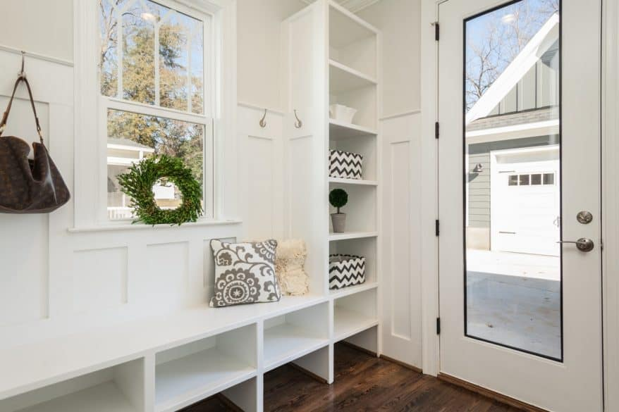 planning a mudroom can be overwhelming after spending hours looking at beautiful mudroom pictures online you might be tempted to do a little online - Mudroom Tfelungen Bilder