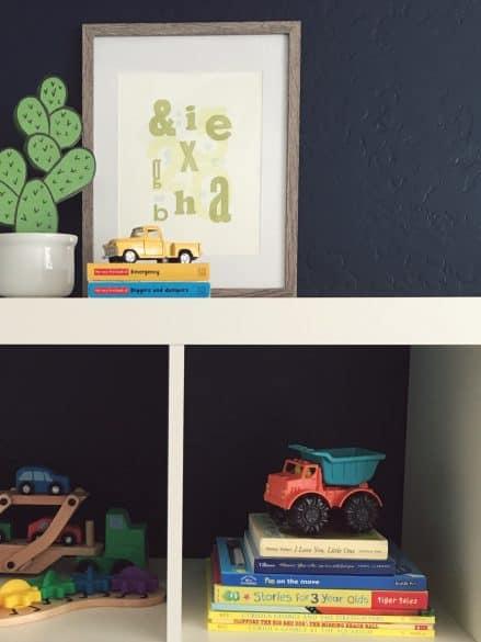 5 ways to Organize kids books
