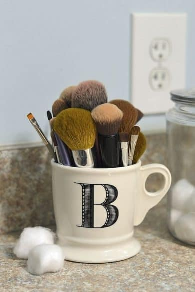 makeup-brush-mug