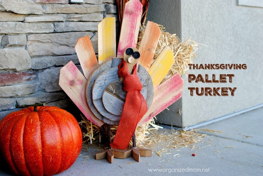upcycle-decor-thanksgiving-pallet-turkey