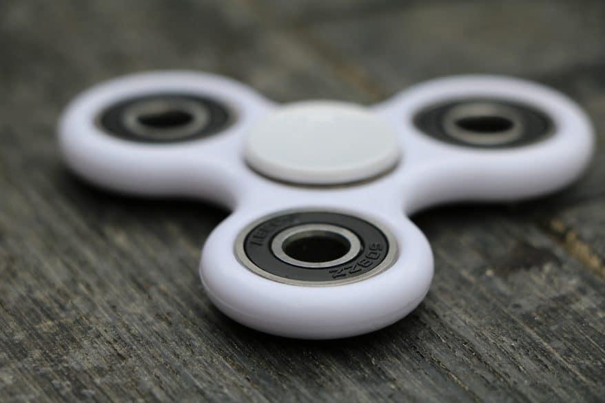 white fidget spinner
