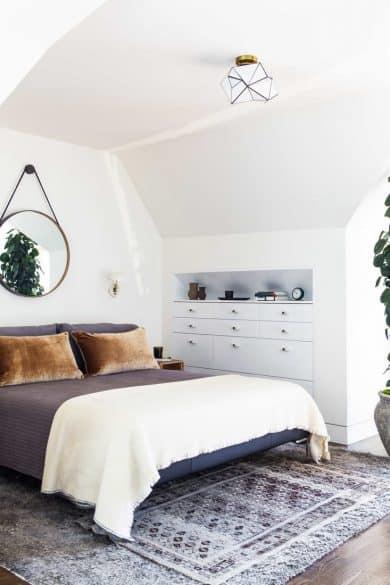 master bedroom white walls