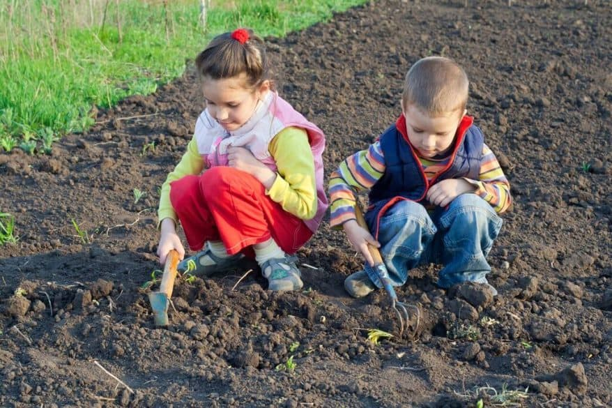 kids weeding