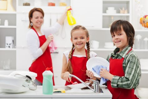 kids cleaning with mom