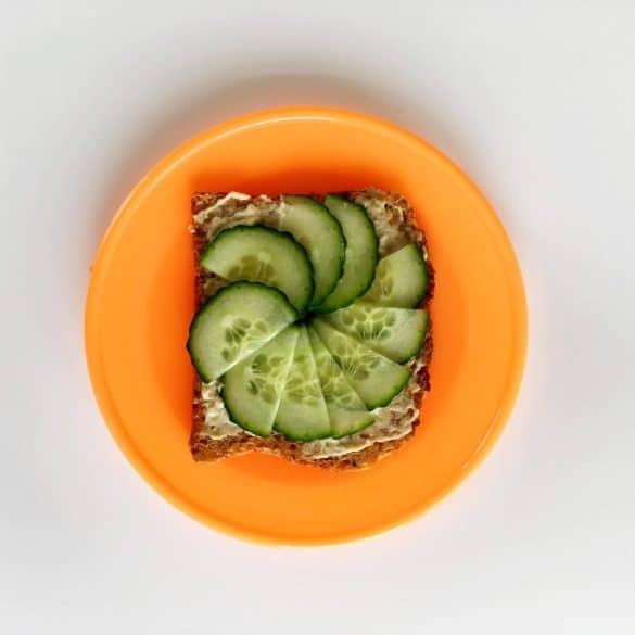 cucumber hummus toast