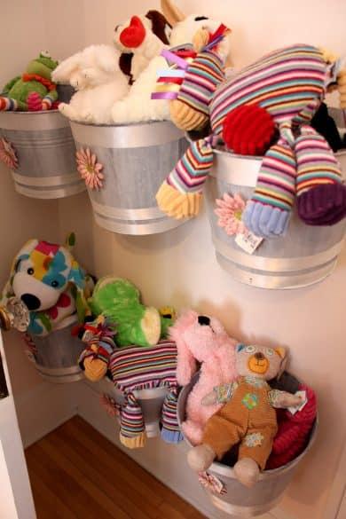 store stuffed animals