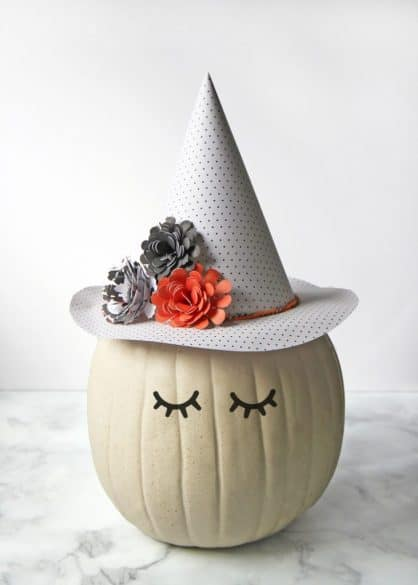cute witch hat pumpkin